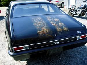 AIRBRUSHED skull on a Nova trunk